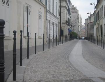 moulin vert une rue qui s 39 isole paris xiv 75014 paris 14. Black Bedroom Furniture Sets. Home Design Ideas